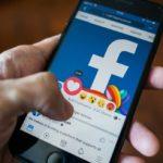 personne qui aime un article facebook